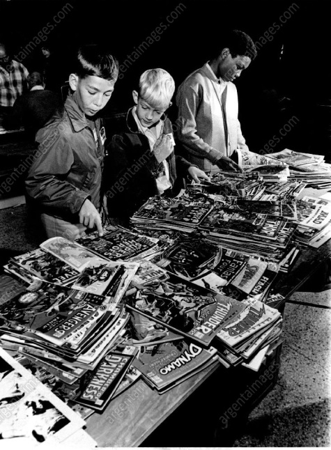 boys reading comics 1970