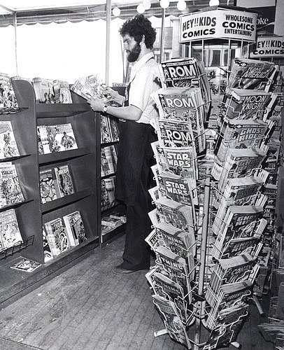 Comic Book Rack '80s