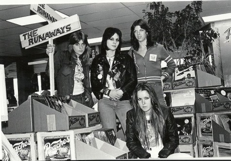 The Runaways Peaches 1977