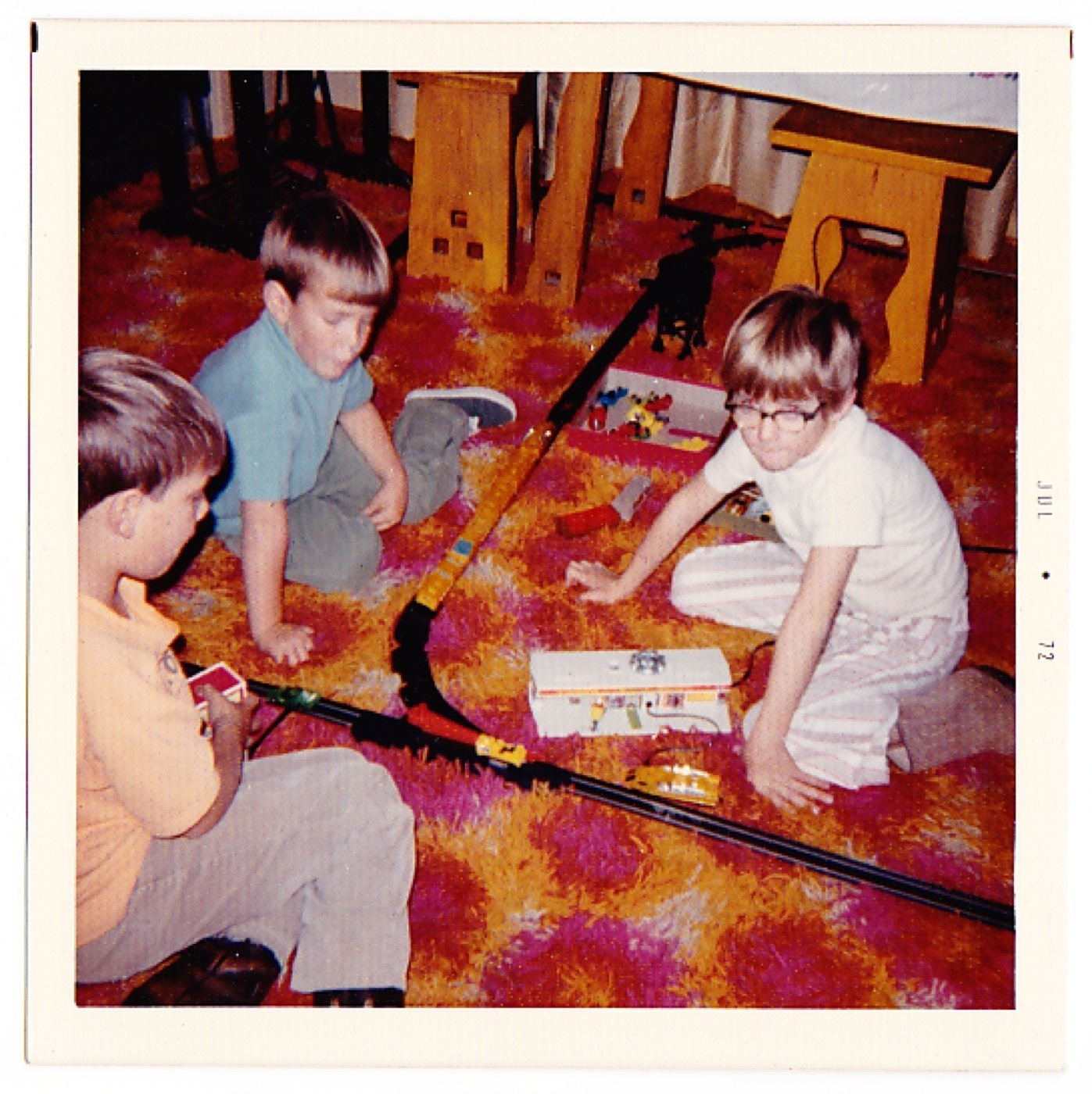 Kids Playing On Psychedelic Shag Carpet 1972 2 Warps To