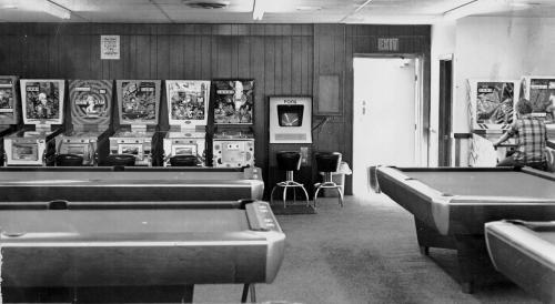 Pool Pong 1973