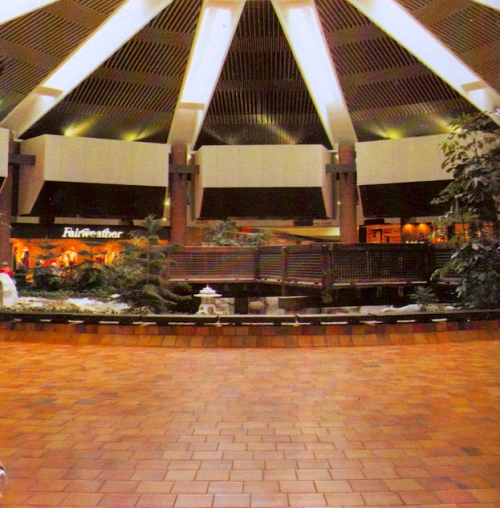 Mall 1985-4