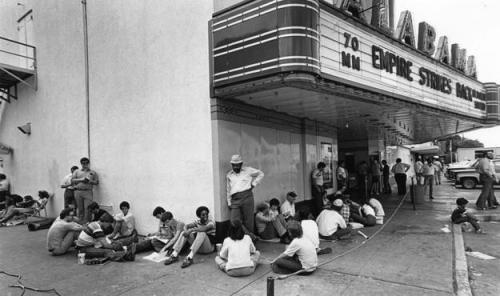 Star Wars fans wait outside the Alabama Theater to see the film The Empire Strikes Back in this May 21, 1980 photo. (Ben DeSoto / Houston Post)
