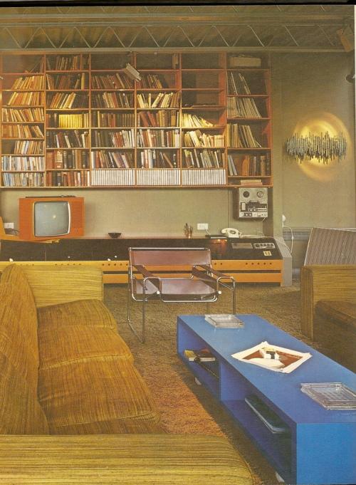 Living Room 70s-3