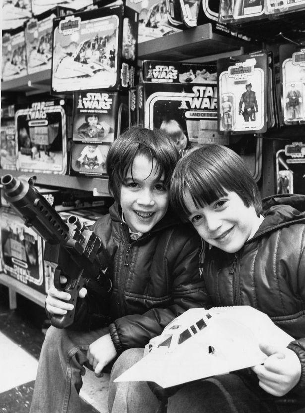 Star Wars Toys 1980s : Star wars toys warps to neptune